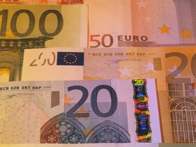 clip_money_foreign